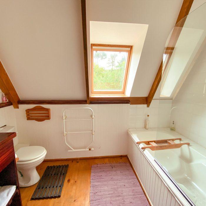 Second bathroom at Barn Owl