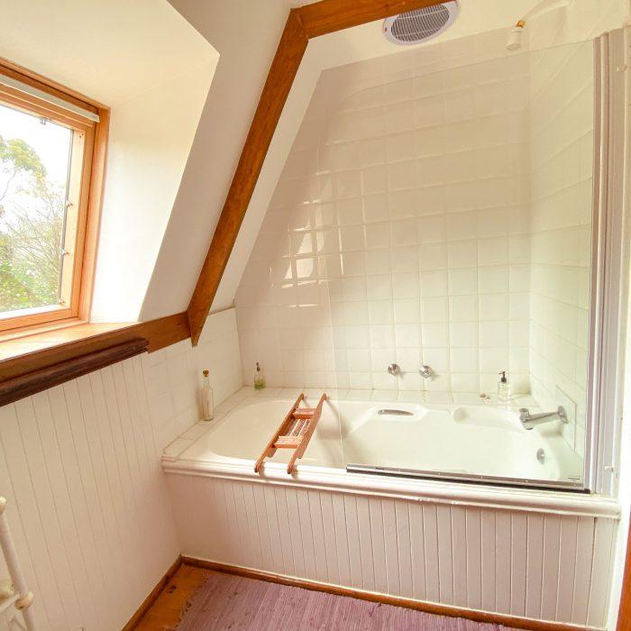 Bath/shower at Barnowl