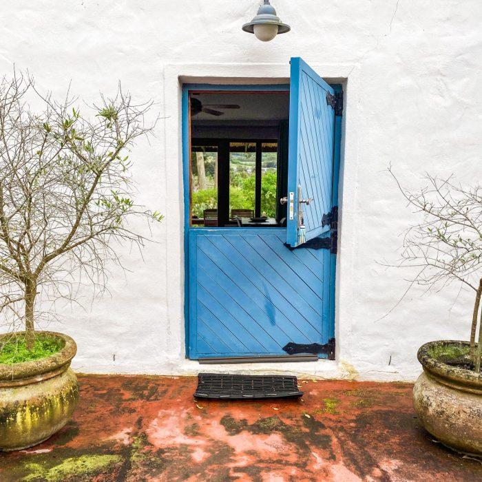 Olive entrance