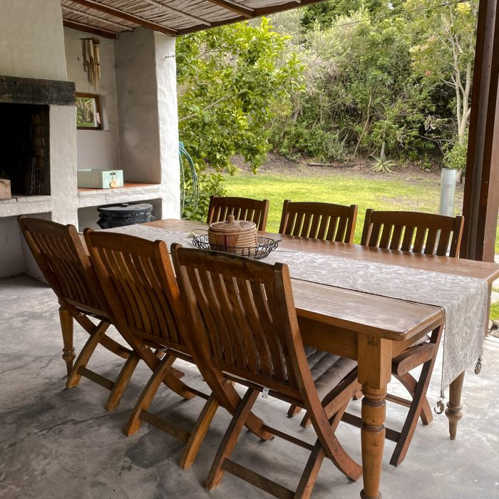 Outdoor dinning room table